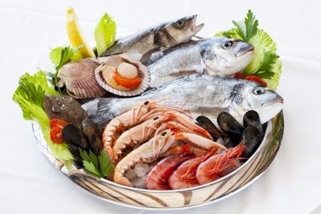 Рыба, креветки, мидии